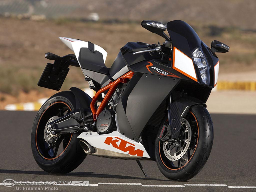 présentation de MAKTM 2009-KTM-RC8R-4