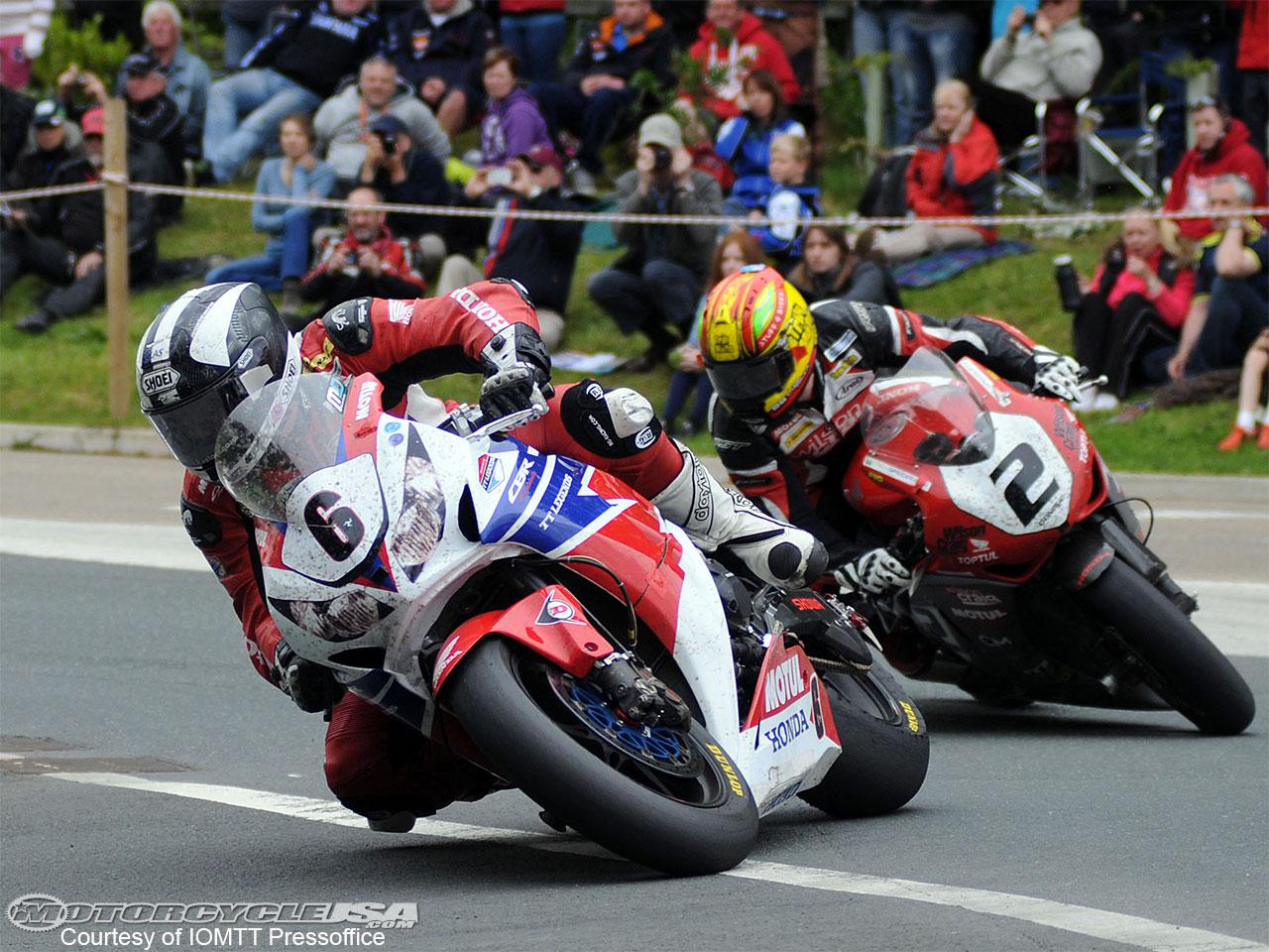 Road Races, TT et courses sur route  - Page 2 Dunlop-Donald-SBK-TT