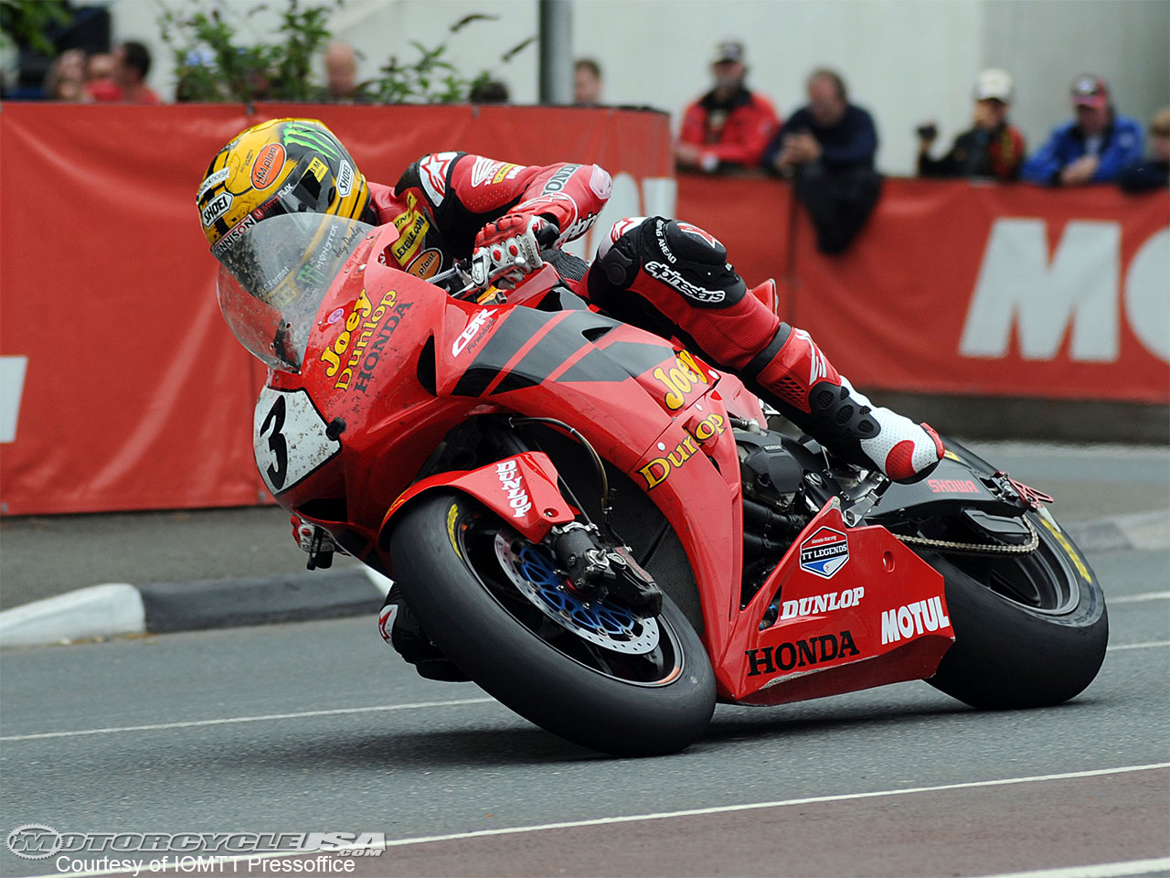 Road Races, TT et courses sur route  - Page 2 McGuinness-Superbike-TT