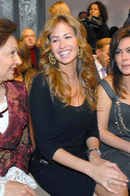 خطيبة جمال مبارك ابن الرئيس المصري وفستان الزفاف 07052007-44556-0