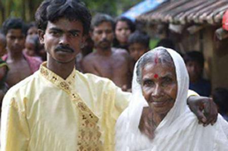 شاب يتزوج بجدته 20072006-103830-0