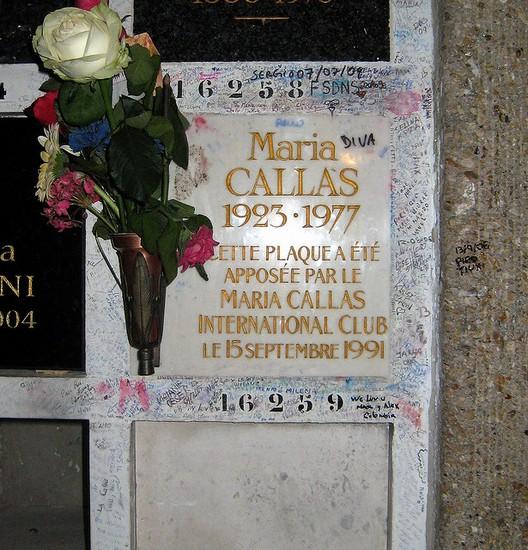 DEP Amy Winehouse - Página 6 38378_paris_tumba_maria_callas