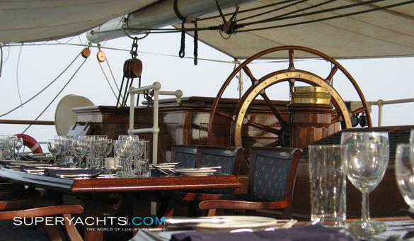 الجزائر تختار Damen الهولندية لبناء سفينة التدريب الشراعية  Stad-amsterdam-8937