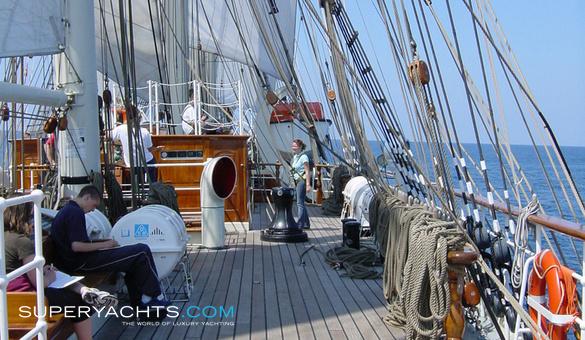 الجزائر تختار Damen الهولندية لبناء سفينة التدريب الشراعية  Stad-amsterdam-8941