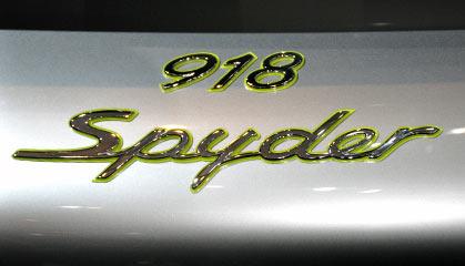 Petit... eeuh... non : Grand Jeu - Page 96 Porsche_918_Spyder_Grise_a