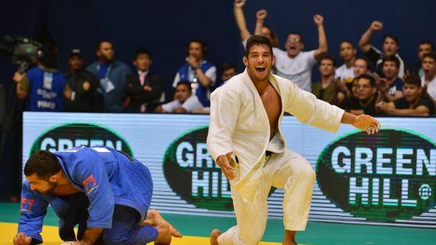 judoca cubano campeón del mundo regresa al tatami tras año de ausencia por lesión Asley-Gonzalez-Ilias-Iliadis-Janeiro_MEDIMA20150409_0221_5