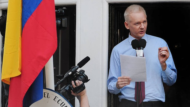US calls Assange 'enemy of state' – We're talking about freedom of the press here, folks!!!! Dh_assange-20120927073241588858-620x349