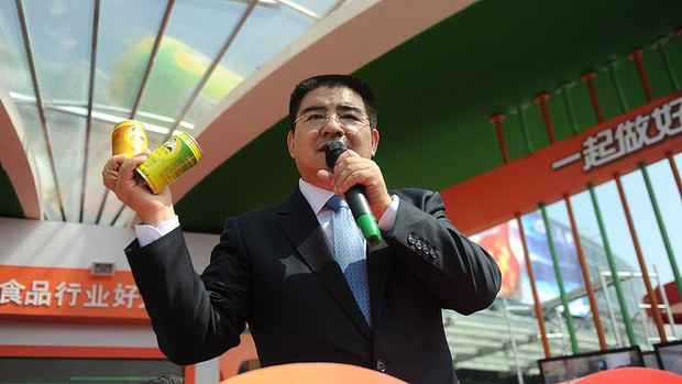 Cans of Fresh Air Go on Sale In China Chen-Guangbiao-729-620x349