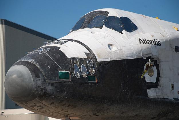 [STS-135] Atlantis:  fil dédié aux préparatifs, lancement prévu pour le 8/07/2011 - Page 4 Sts135_rollover_4_625