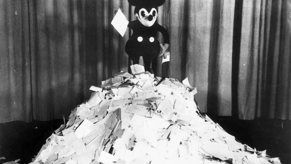 Mensajes, averías, consultorio y confesionario. - Página 4 Mickey-Mouse-monton-cartas_TINIMA20130515_0438_3