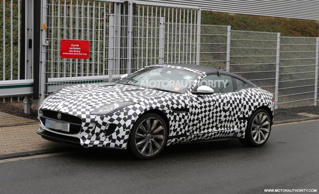 2012 - [Jaguar] F-Type - Page 10 2015-jaguar-f-type-coupe-spy-shots_100443310_l