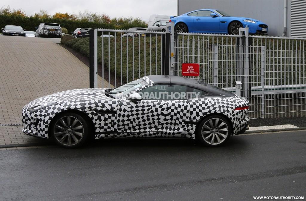 2012 - [Jaguar] F-Type - Page 10 2015-jaguar-f-type-coupe-spy-shots_100443311_l