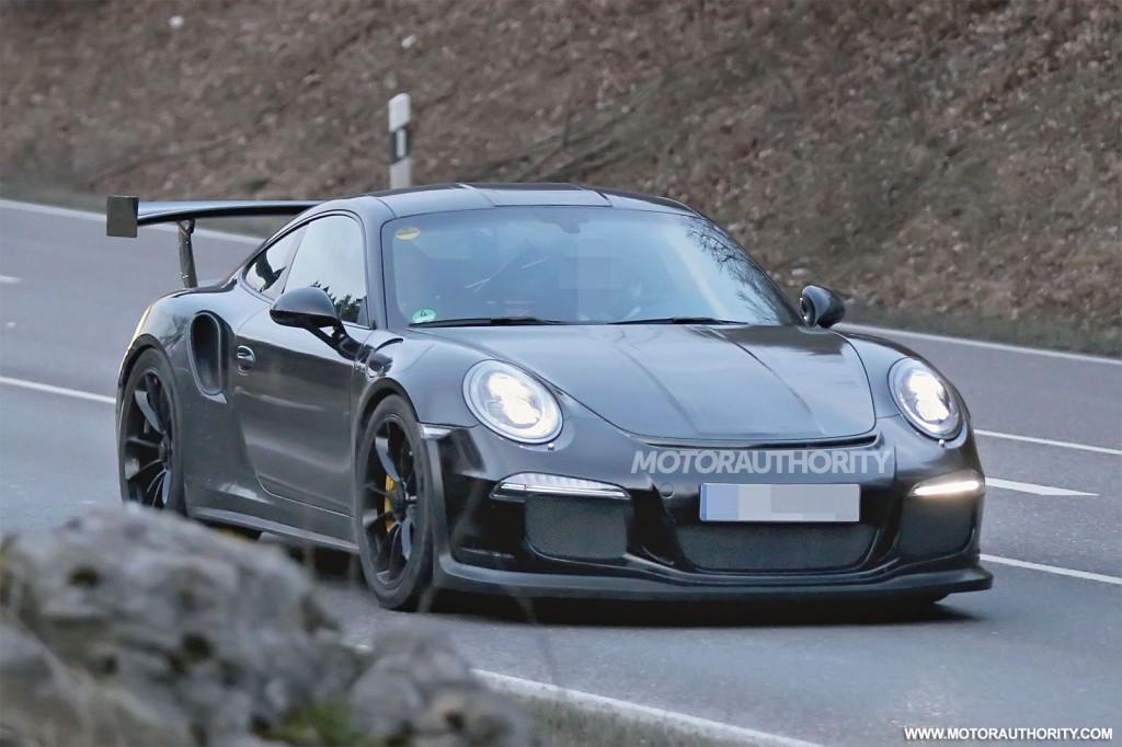 2011 - [Porsche] 911 [991] - Page 4 2015-porsche-911-gt3-rs-spy-shots_100457625_l