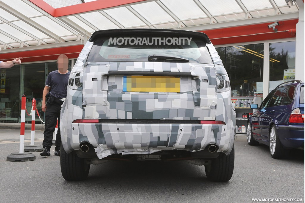 2014 - [Land Rover] Discovery Sport [L550] - Page 5 2016-land-rover-discovery-sport-lr2-replacement-spy-shots_100472874_l