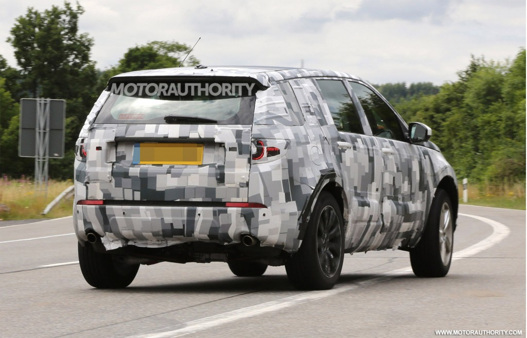 2014 - [Land Rover] Discovery Sport [L550] - Page 5 2016-land-rover-discovery-sport-lr2-replacement-spy-shots_100472878_l