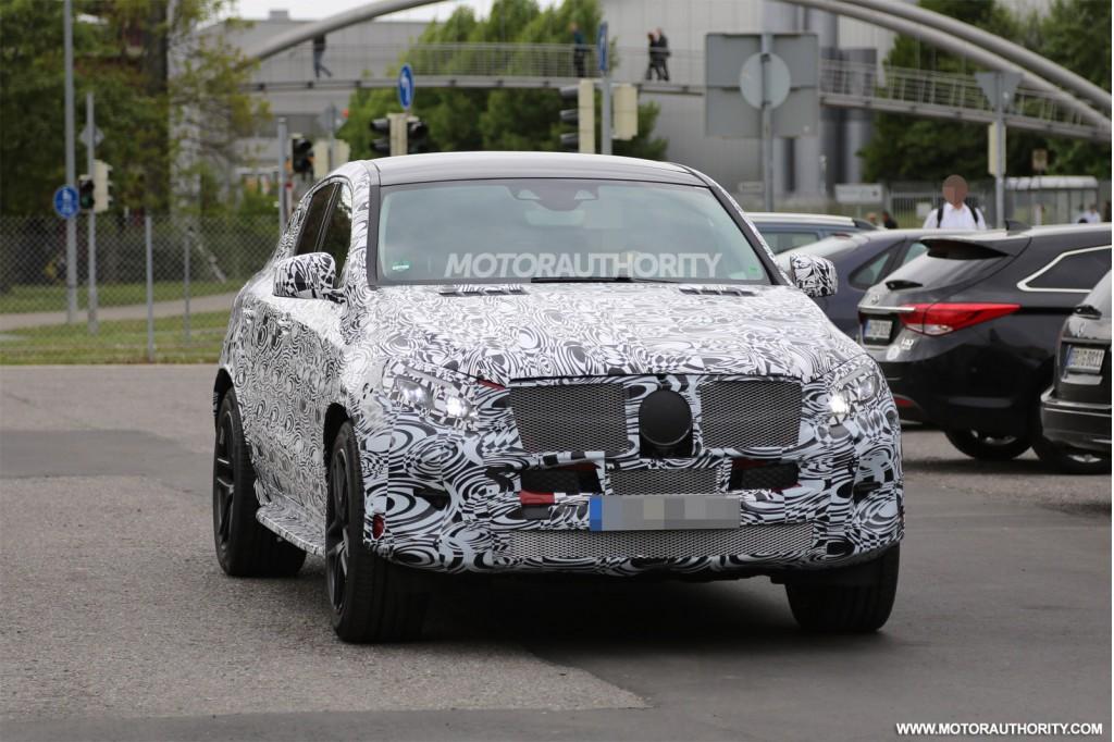 2015 - [Mercedes] GLE Coupé [C292] - Page 4 2016-mercedes-benz-mlc-class-spy-shots_100466138_l