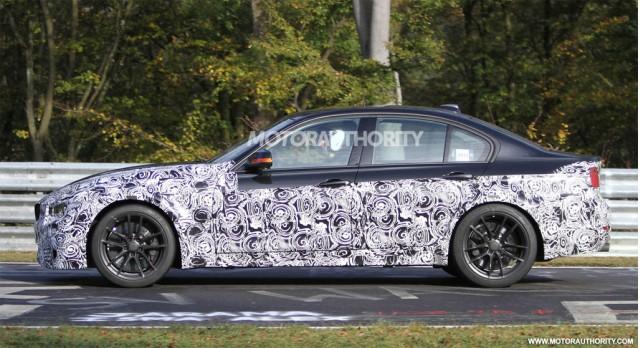 2014 - [BMW] M3 & M4 [F80/F82/F83] - Page 4 2014-bmw-m3-sedan-spy-shots_100367555_m