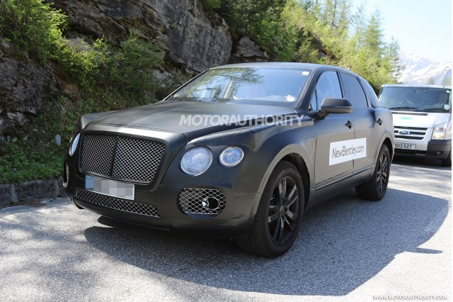 2015 - [Bentley] Bentayga - Page 2 2016-bentley-suv-spy-shots_100469166_m