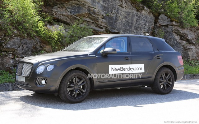 2015 - [Bentley] Bentayga - Page 2 2016-bentley-suv-spy-shots_100469170_m