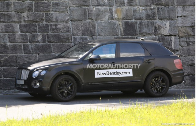 2015 - [Bentley] Bentayga - Page 2 2016-bentley-suv-spy-shots_100469189_m