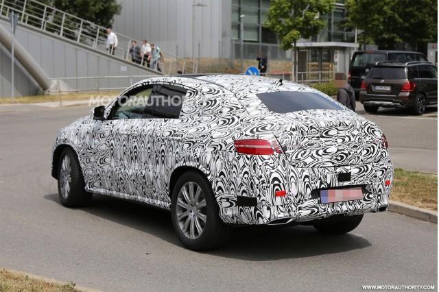 2015 - [Mercedes] GLE Coupé [C292] - Page 6 2016-mercedes-benz-m-class-coupe-spy-shots_100471682_m