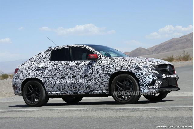 2015 - [Mercedes] GLE Coupé [C292] - Page 6 2016-mercedes-benz-m-class-coupe-spy-shots_100472925_m