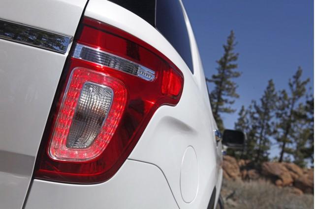 .. Ford Explorer 2011 .. Ford_100317150_m