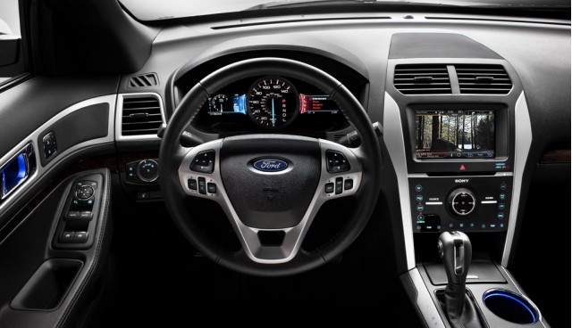 .. Ford Explorer 2011 .. Ford_100317157_m