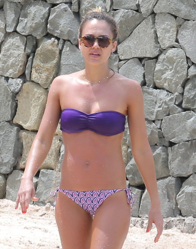 JO Sotchi - Page 5 Jessica-alba-bikini-body