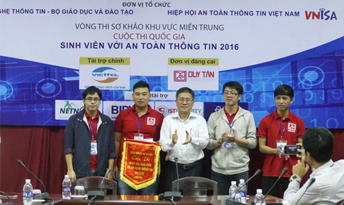 Sinh viên Duy Tân đoạt giải thưởng cao nhất Anh_SV_Duy_Tan_bai_PR_CVFO