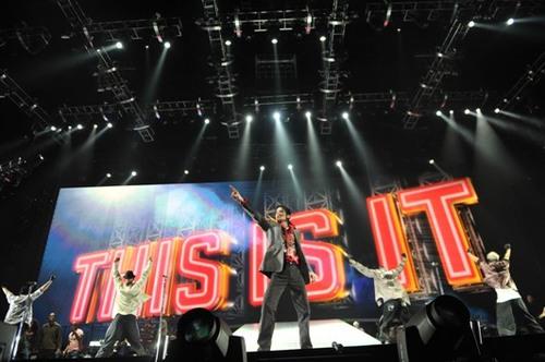 """Phim """"This Is It"""" về Michael Jackson sẽ được chiếu đồng thời tại 15 thành phố lớn trên Thế Giới 1641563751_anhjackson_"""