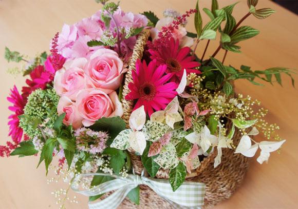 Câu lạc bộ handmade: Hướng dẫn cách cắm hoa và thuyết trình cắm hoa ngày 20/10 Huong-dan-cach-cam-hoa-va-thuyet-trinh-cam-hoa-ngay-2010_1412824311_1