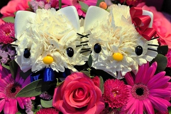 Câu lạc bộ handmade: Hướng dẫn cách cắm hoa và thuyết trình cắm hoa ngày 20/10 Huong-dan-cach-cam-hoa-va-thuyet-trinh-cam-hoa-ngay-2010_1412824314_13