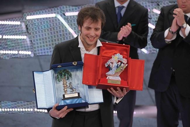 FESTIVAL DI SANREMO 2011: I CANTANTI - LE CANZONI - I TESTI Raphael-gualazzi-sanremo_650x435