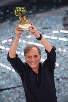 FESTIVAL DI SANREMO 2011: I CANTANTI - LE CANZONI - I TESTI Vecchioni-sanremo_290x435