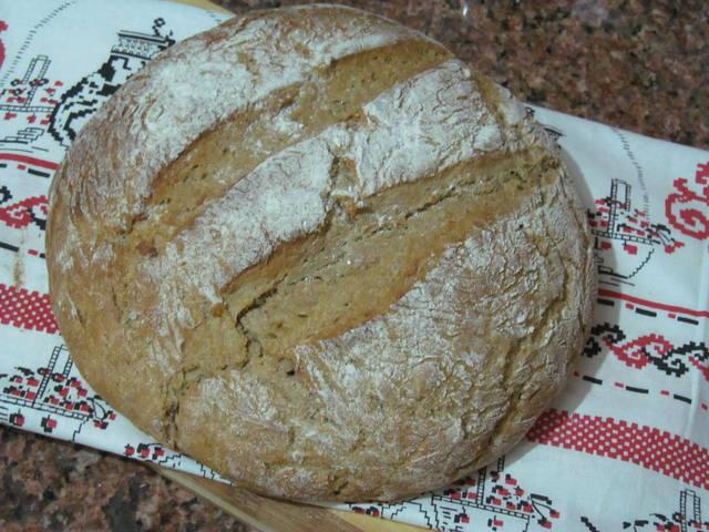 Домашний хлеб с цельнозерновой мукой, кумином и картофелем 1980218_m