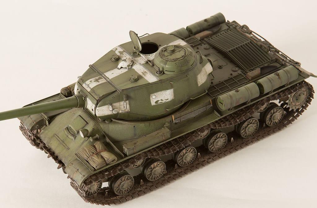 Тяжелый советский танк ИС-2 15341429