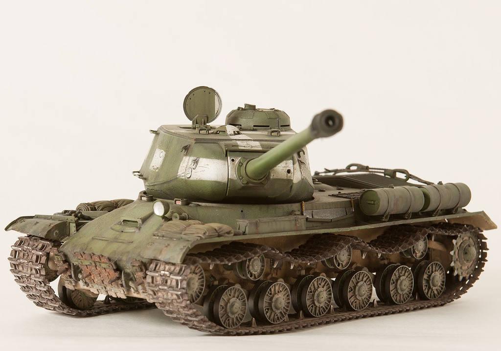 Тяжелый советский танк ИС-2 15341428