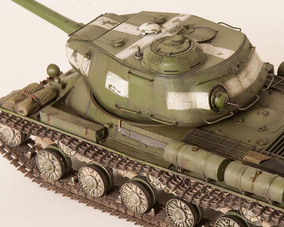 Тяжелый советский танк ИС-2 15341433