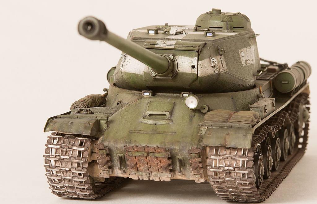 Тяжелый советский танк ИС-2 15341436