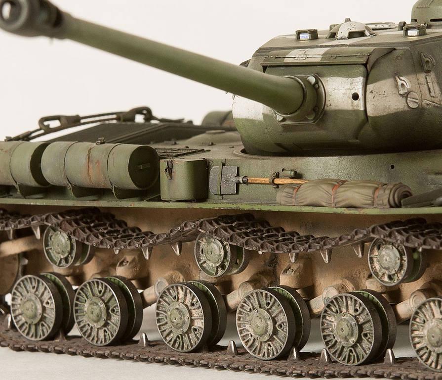 Тяжелый советский танк ИС-2 15341673