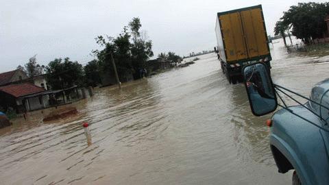 Chùm ảnh: Quốc lộ 1A thành dòng sông lớn Images2053210_h15