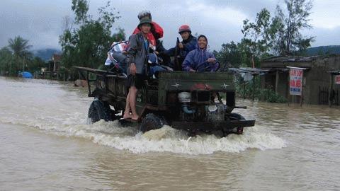 Chùm ảnh: Quốc lộ 1A thành dòng sông lớn Images2053213_h3