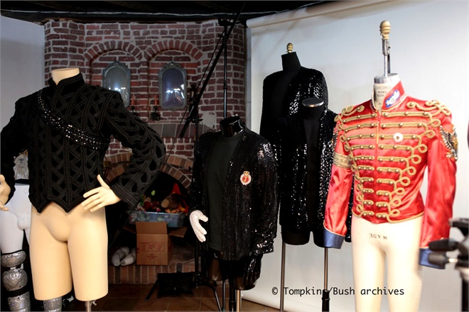"""[LIBRO] Michael Bush pubblica """"The King of Style"""" - Pagina 4 Personal-and-stage-costumes-308323_0x440"""
