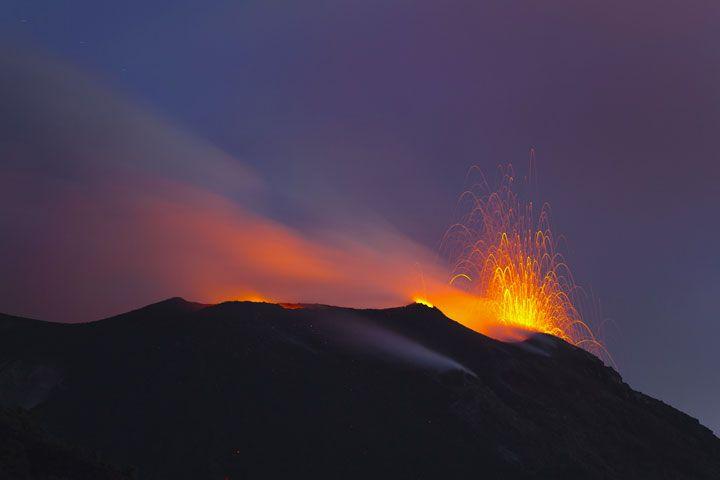Fuertes explosiones en el Volcán Stromboli Stromboli_i57922