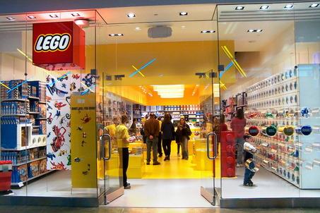 Le Kiosque aux infos  - Page 39 Large_Lego_store