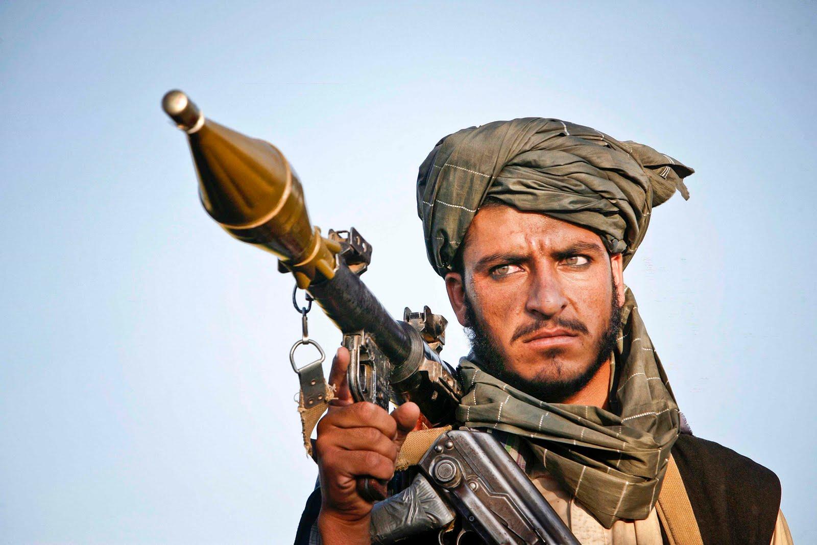 Française s'adressant aux Afghan - Page 3 Taliban