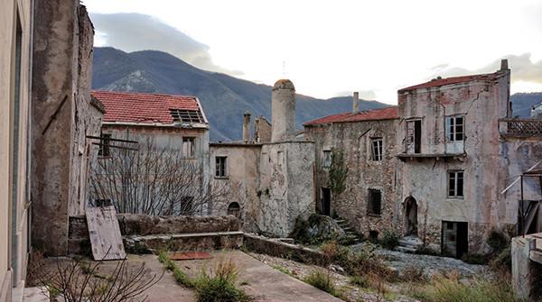 Il fascino dei luoghi abbandonati 1388770831_-_0044_03-600x335