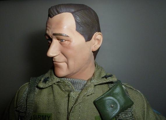 Sideshow John Wayne: The Green Berets! 74a1686ee35705424e91e1c2285077ae029bbecf_r