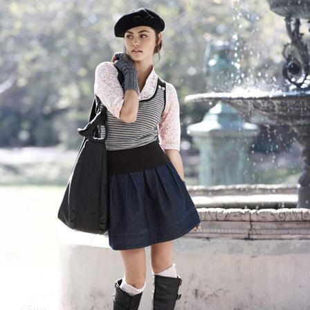 Познай известната личност - Page 2 Phoebe-Tonkin-as-a-model-h2o-just-add-water-1609121-448-447